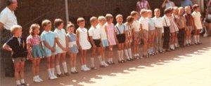 Gruppenbild mit Bürgermeister in spe, wahrscheinlich im Sommer 1968, 15-ter von links, sich schon damals seiner zukünftigen Würde bewusst - mit Fliege!