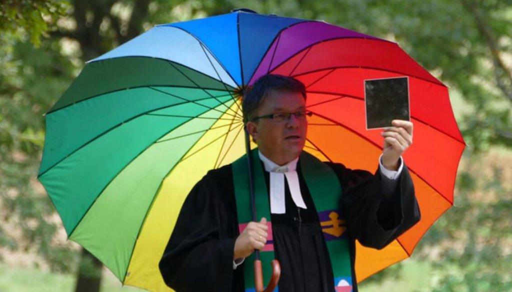 Albrecht Kessel hält Gottensdienst