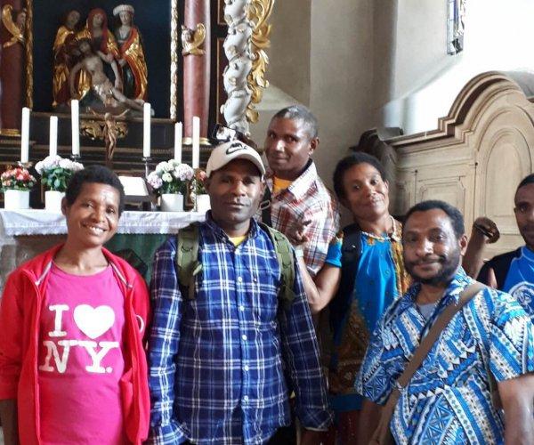 Gäste aus Papua